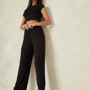 Ensemble pyjama noir à rayures crop top et pantalon évasé tall